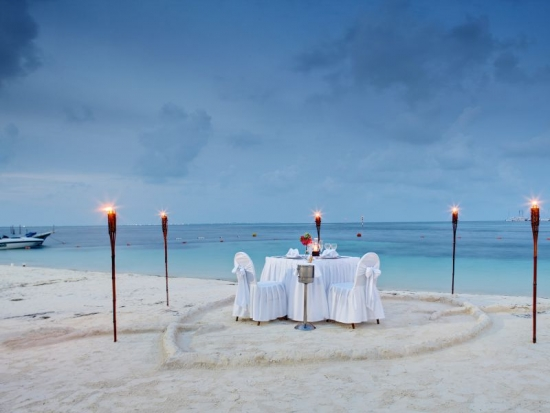 cancun-barcelo-hotels-wedding-beach