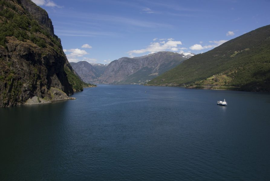 5 Most Scenic Routes For a Cruise